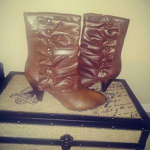 NWT- Carlos Santana Castilo Boots